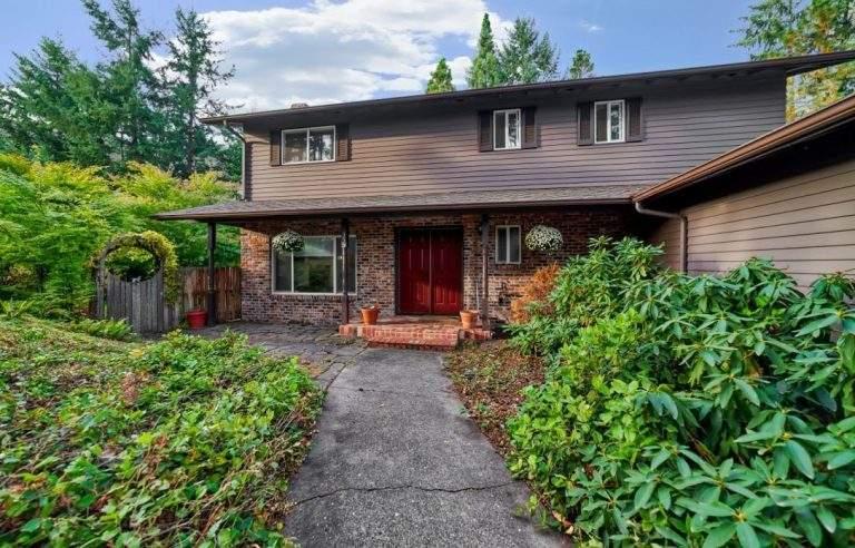 Crest Drive Neighborhood Eugene lovely secluded home
