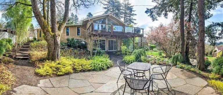 Fairmount Neighborhood Eugene home with lovely modern landscaping