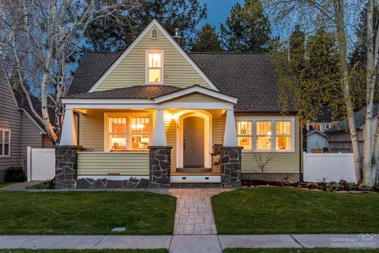 Old Bend Downtown Neighborhood lovely modern craftsman style home