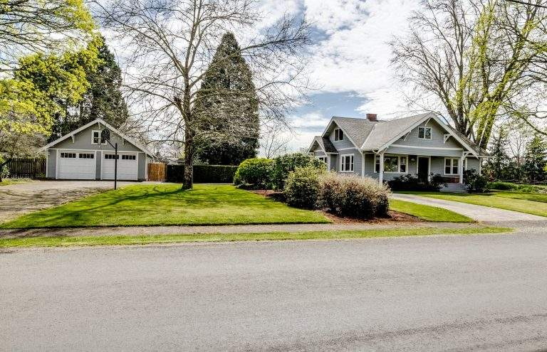 River Road Neighborhood Eugene nice home with detached two car garage