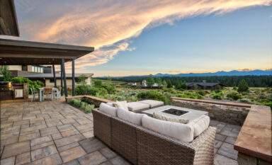 View from Summit West neighborhood, Bend Oregon