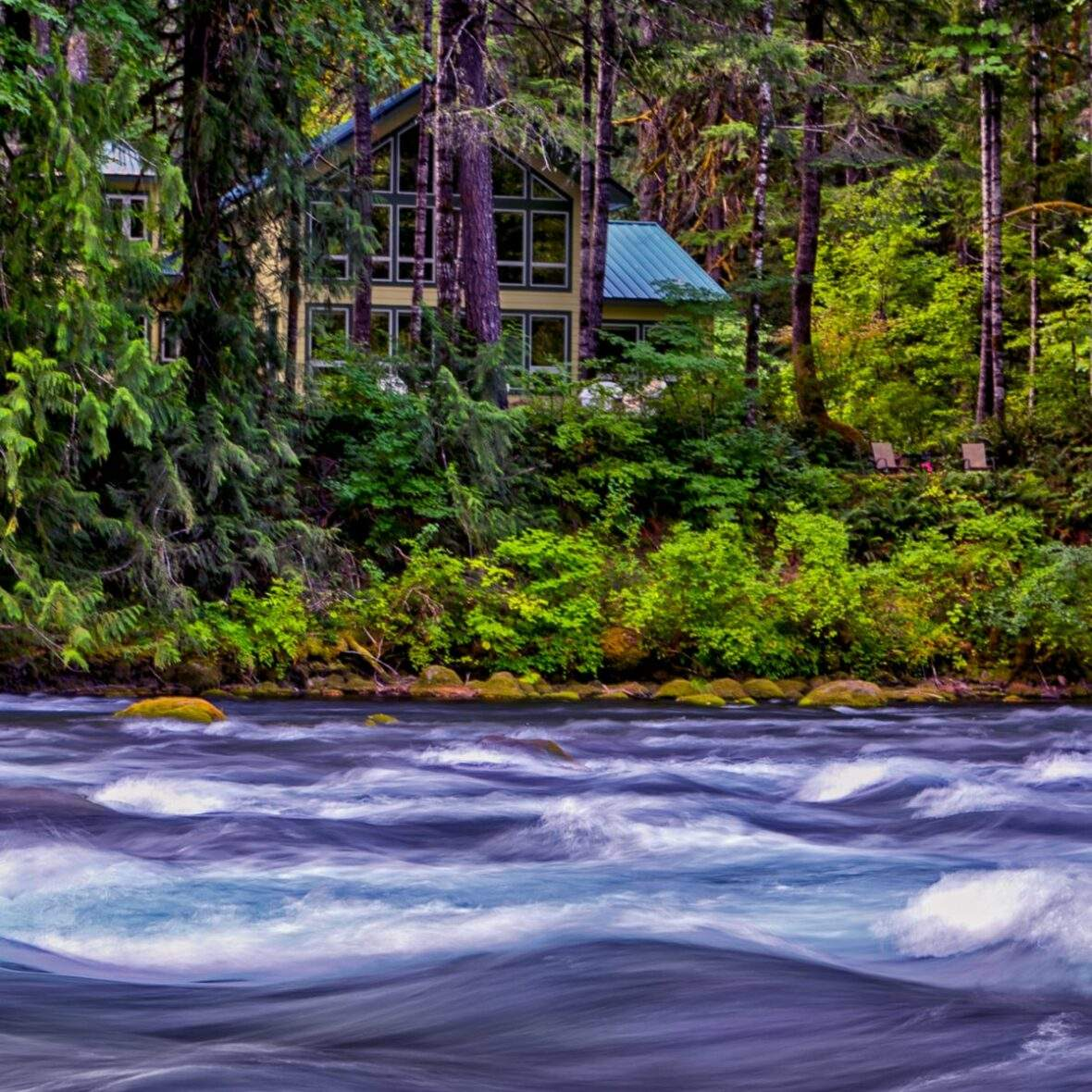 Vacation home off of McKenzie River in Oregon