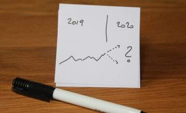 Marker and simple graphic depicting real estate forecast for 2020